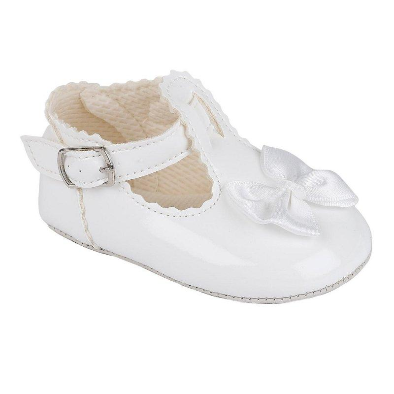 B861: BABY GIRLS SOFT SOLED SHOE- WHITE (SHOE SIZES: 0-4)